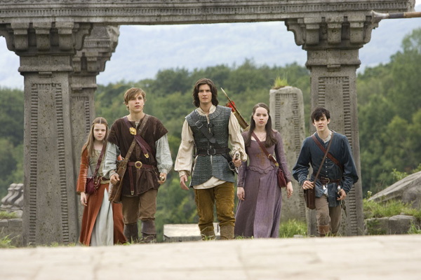 http://www.soundonsight.org/wp-content/uploads/2011/07/chronicles_of_narnia_prince_caspian4.jpg