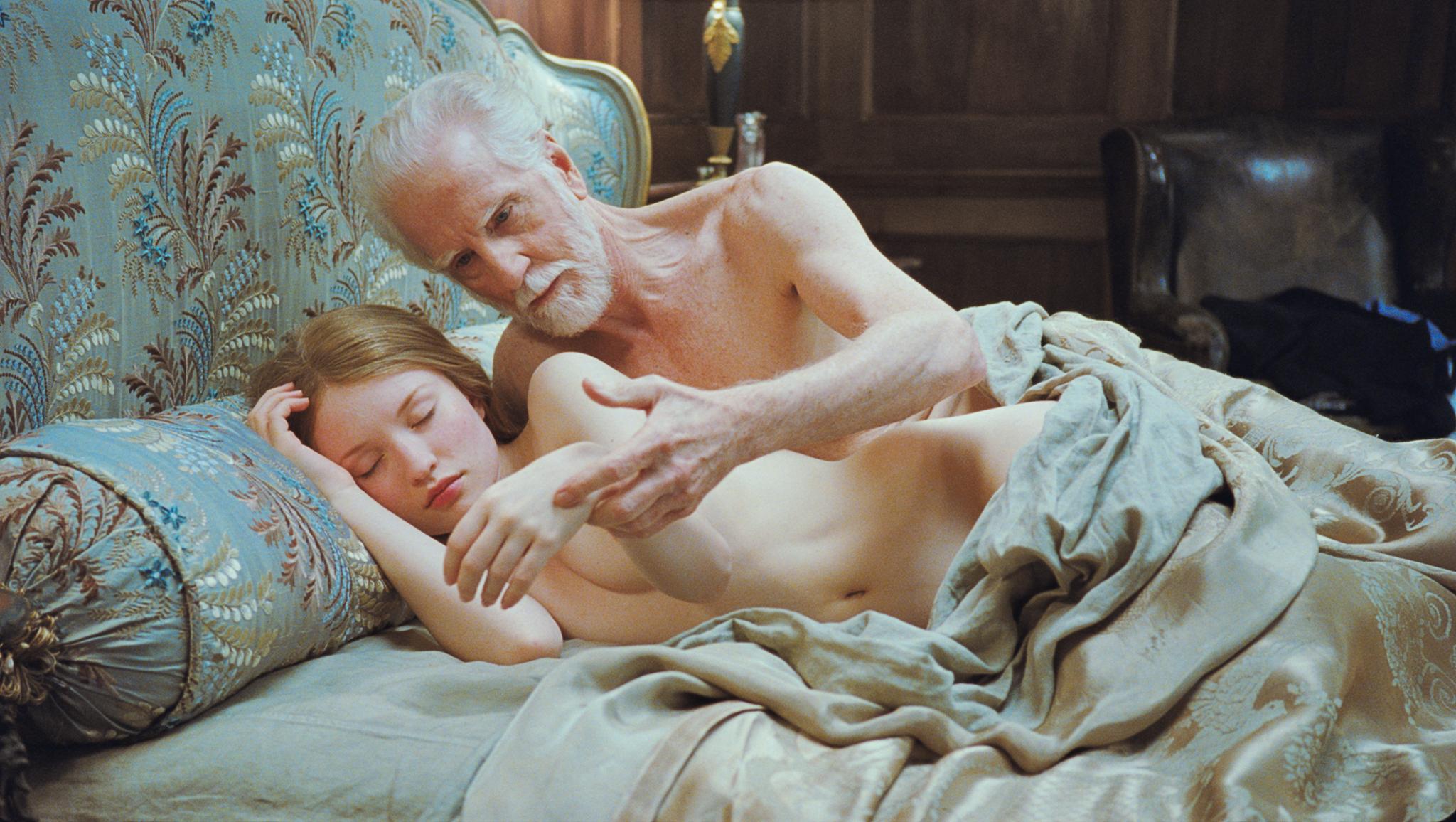 Nude beautiful woman hd 3gp cinema download sex clips