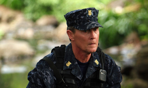 "Last Resort, Ep 1.03: ""Eight Bells"" raises the stakes on the island conflict in dramatic fashion"