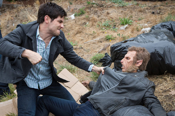 """Grimm Ep. 2.10 """"The Hour of Death"""": Finally they kiss"""