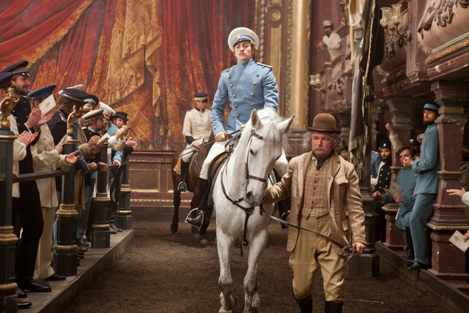 Anna-Karenina-2012-Stills-anna-karenina-by-joe-wright-32484605-940-627