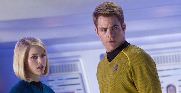 star-trek-into-darkness-alice-eve-chris-pine-600x309