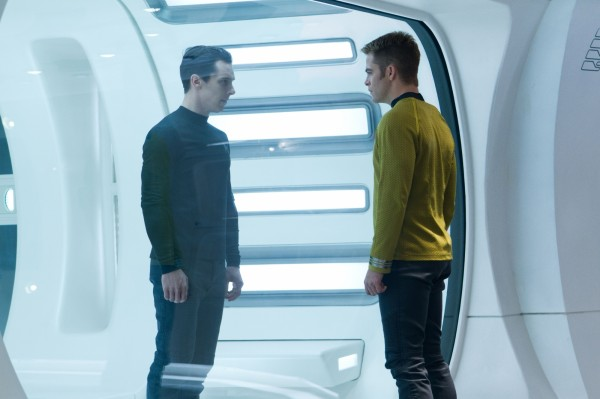 star-trek-into-darkness-benedict-cumberbatch-chris-pine1-600x399