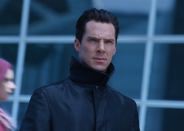 star-trek-into-darkness-benedict-cumberbatch3-600x427