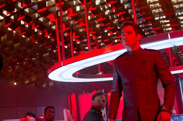 star-trek-into-darkness-chris-pine-bruce-greenwood1-600x399