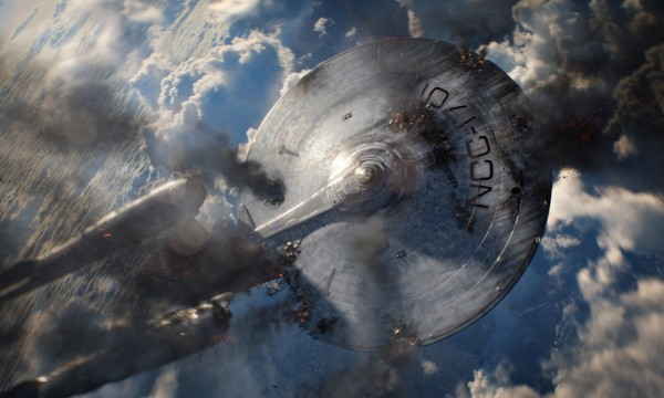 star-trek-into-darkness-damaged-enterprise-600x360