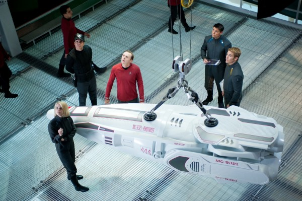 star-trek-into-darkness-eve-pegg-urban-pine-600x399