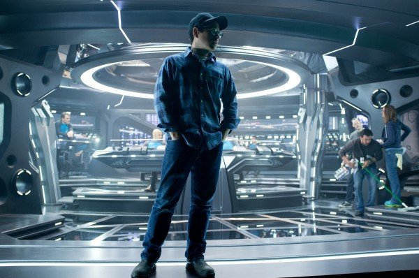 star-trek-into-darkness-jj-abrams-set-photo-1-600x398