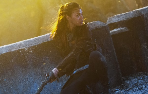 star-trek-into-darkness-zoe-saldana-600x385