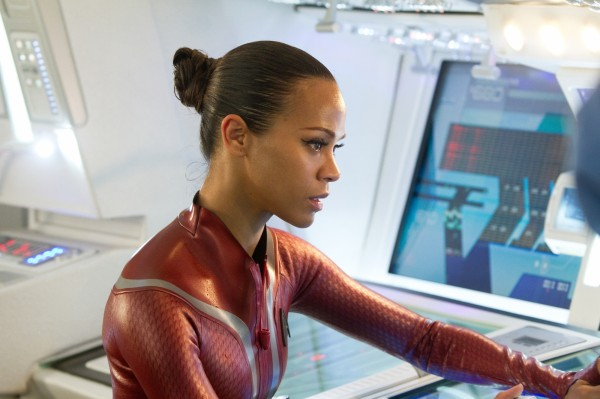 star-trek-into-darkness-zoe-saldana2-600x399