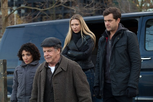 """Fringe, Ep. 5.12-13, """"Liberty""""/""""An Enemy of Fate"""": Heavy-handed finale delivers with character, if not plot"""