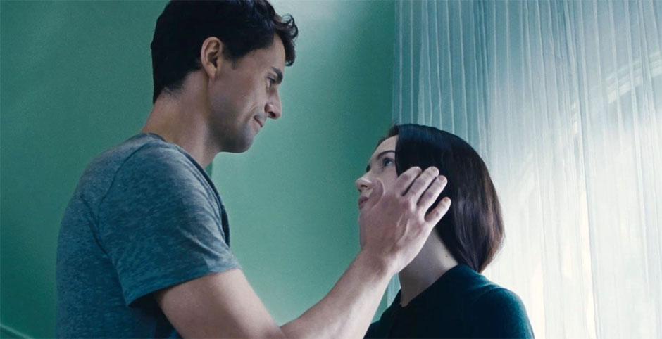 Matthew-Goode-and-Mia-Wasikowska-in-Stoker-2013-Movie-Image
