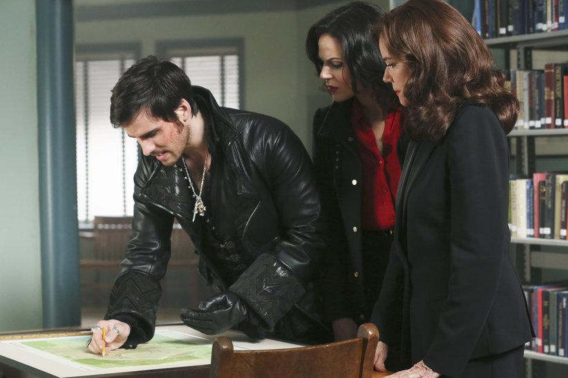 Episode 14 Hook Regina Cora