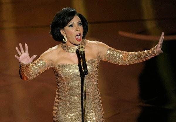 "Dame Shirley Bassey knocks ""Goldfinger"" out of the park"
