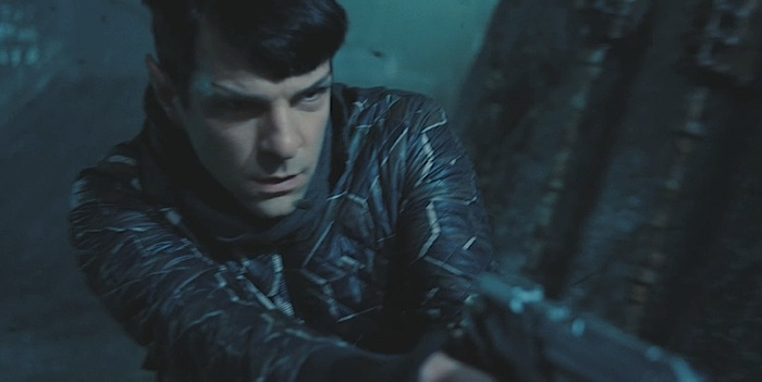 Star-Trek-Into-Darkness-Screenshot-Spock-Phaser