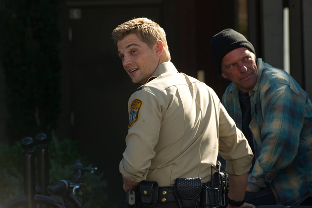 05-mike-vogel-as-deputy-zack-shelby
