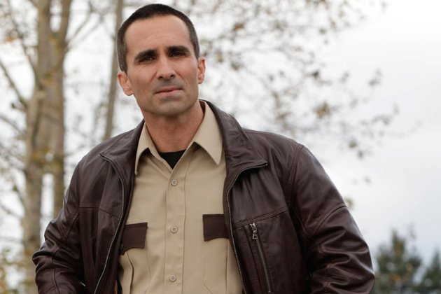 07-nestor-carbonell-as-sheriff-alex-romero