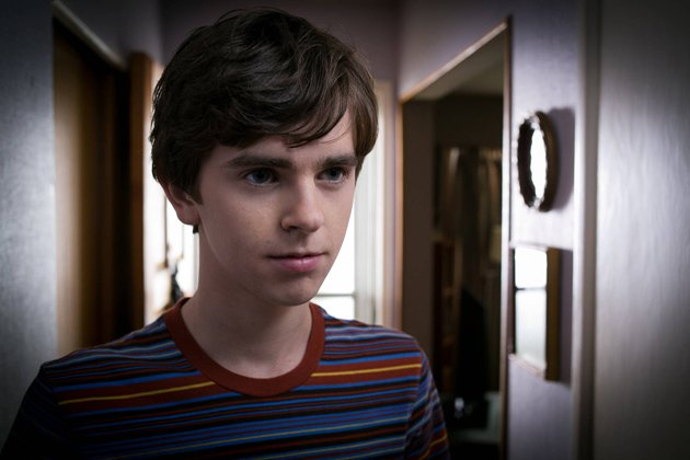 19-freddie-highmore-as-norman-bates