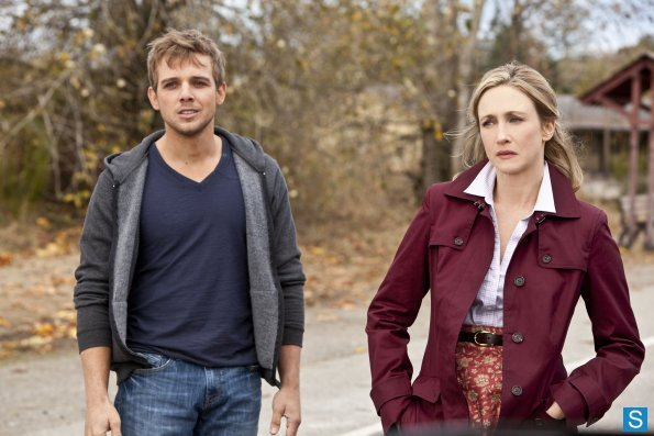 Bates-Motel-Episode-1-02-Nice-Town-You-Picked-Norma-Promotional-Photos-bates-motel-33983112-595-397