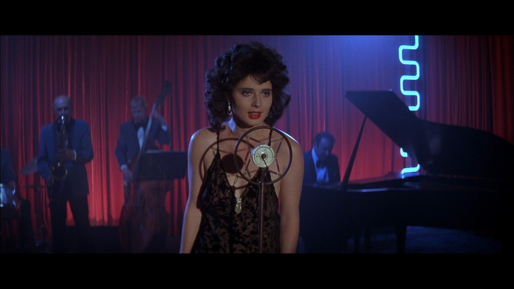 blue velvet scene analysis When slate's bill wyman reviewed the new blu-ray of david lynch's blue velvet, he suggested that it was only a matter of time before its nearly one-hou.