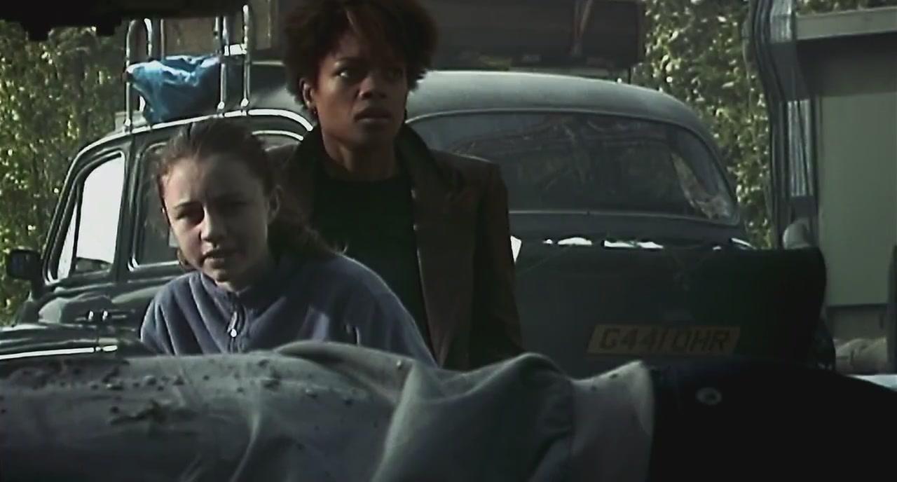 28 Days Later (Megan Burns & Naomie Harris)