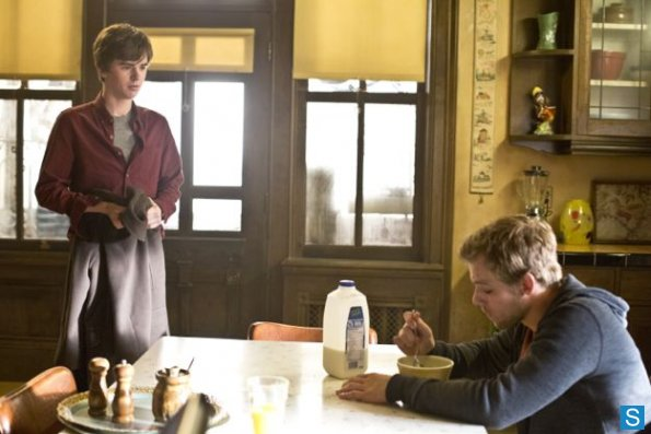 Bates-Motel-Episode-1x05-Ocean-View-003