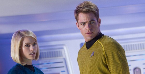 star-trek-into-darkness-chris-pine-alice-eve1-600x309
