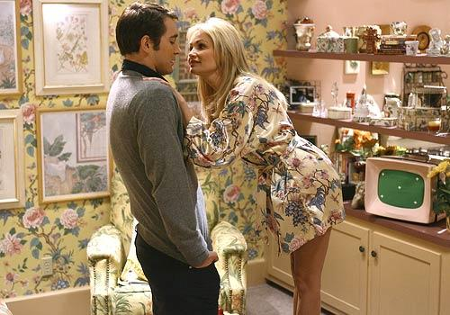 Lee Pace and Kristin Chenoweth in the Pushing Daisies pilot, Pie-lette