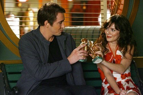 Lee Pace and Anna Friel in the Pushing Daisies pilot, Pie-lette