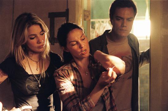 Lynn Collins, Ashley Judd & Michael Shannon in Bug (2006)