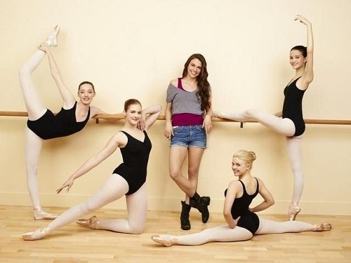 Cast of the winter season 1 of Bunheads