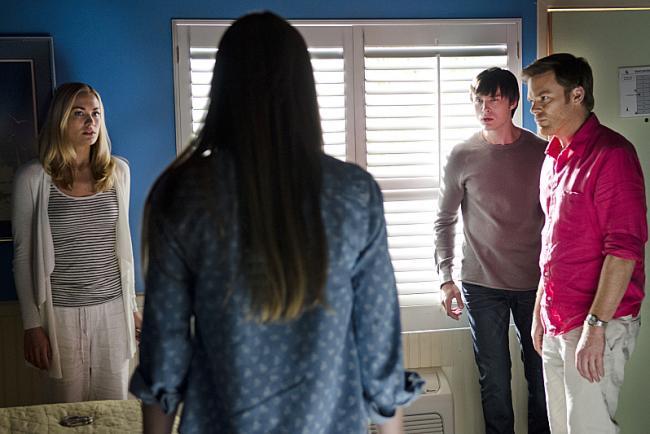 Yvonne Strahovsky, Jennifer Carpenter, Sam Underwood & Michael C. Hall in 'Dexter' Ep 8.08 'Are We There Yet?'