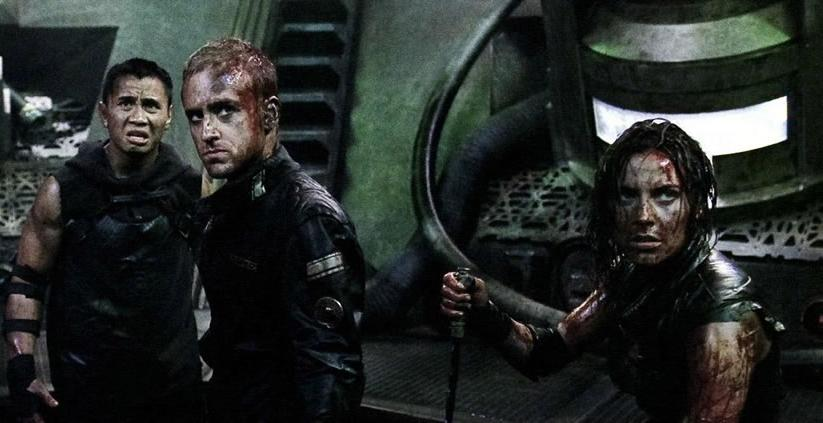 Cung Le, Ben Foster & Antje Traue in Pandorum (2009)