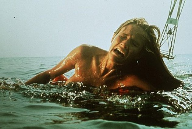 jaws-movie-still-6