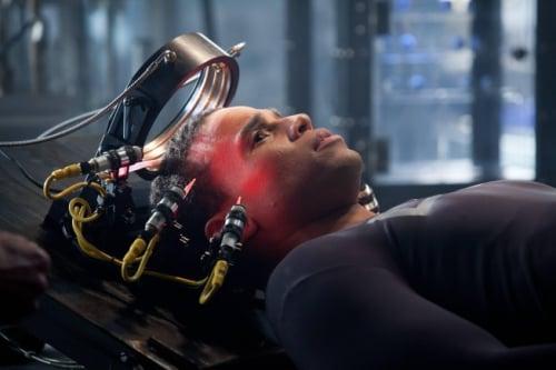Almost Human S01E01 promo pic 1B