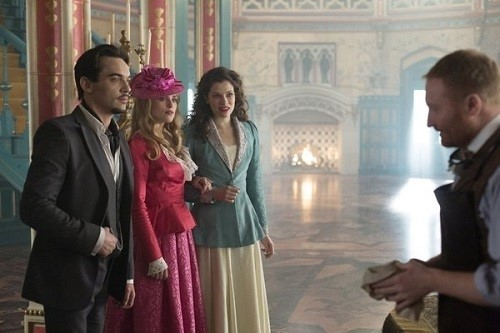 """Dracula, Ep. 1.04, """"From Darkness to Light"""": Hello, Master"""