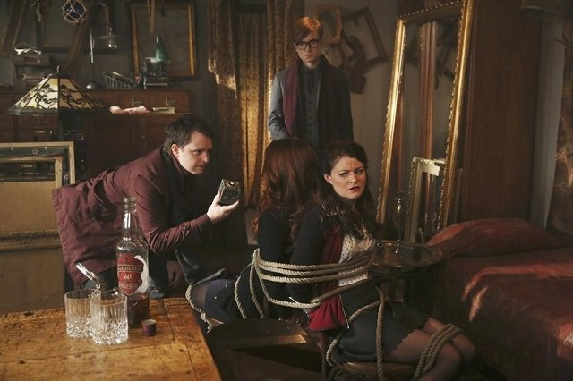 """Once Upon a Time promo pic S03E07, """"Dark Hollow"""""""