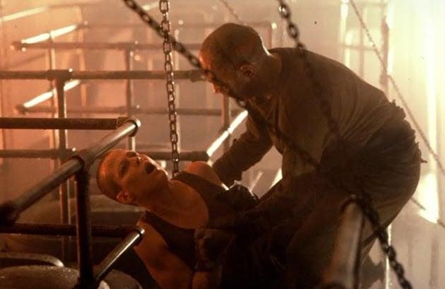 Sigourney Weaver and Danny Webb in Alien 3 (1992)