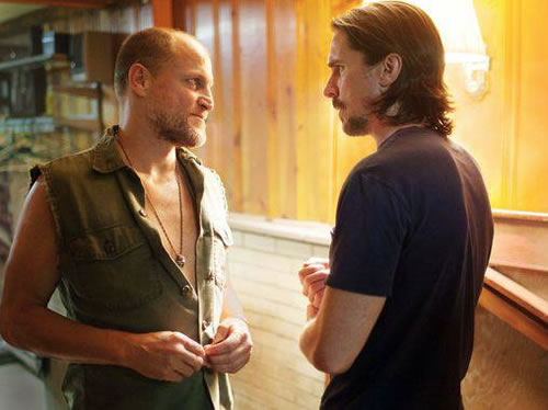 'Out of the Furnace' a bleak, gruesome descent into working-class hell