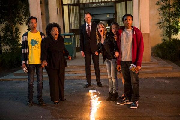 """Community S05E01 promo image, """"Repilot"""""""