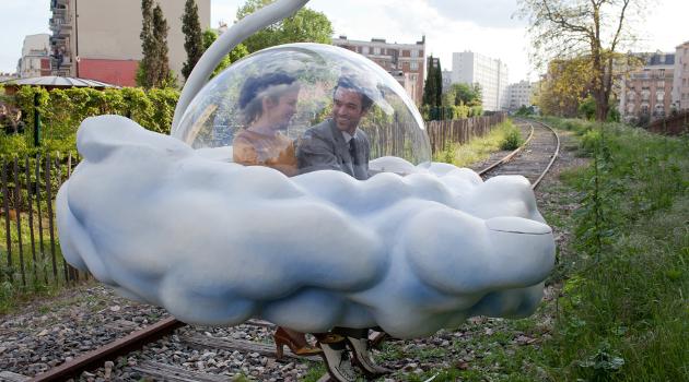 Audrey Tatou and Romain Duris in Cloud in Paris in Mood Indigo