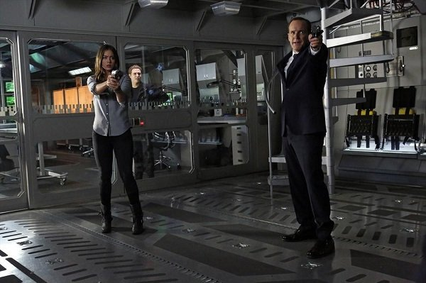"Agents of SHIELD, Ep. 1.17, ""Turn, Turn, Turn"" reveals another side of Winter Soldier"