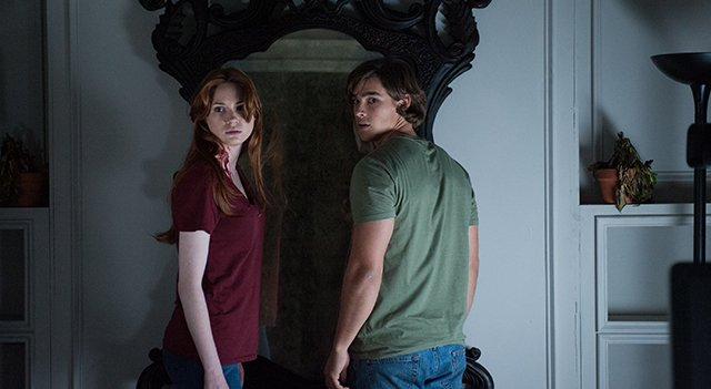 'Oculus' revitalizes supernatural horror with an essential dose of heart and smarts