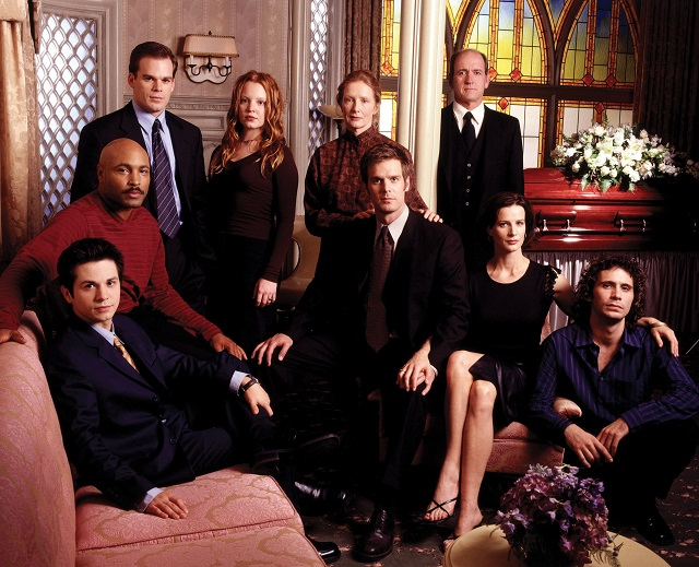 Cast photo for Six Feet Under