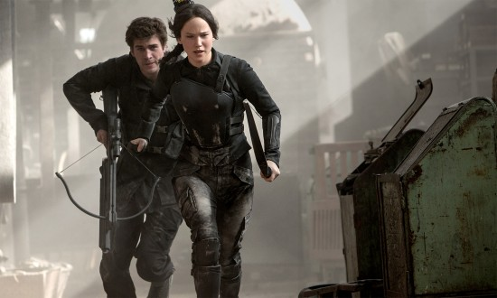 Hunger-Games-Mockingjay-Katniss-and-Gale-550x330