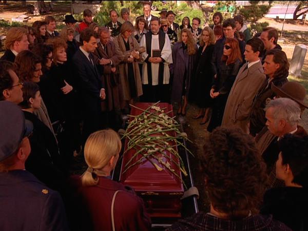 TwinPeaks_S01E04_Funeral