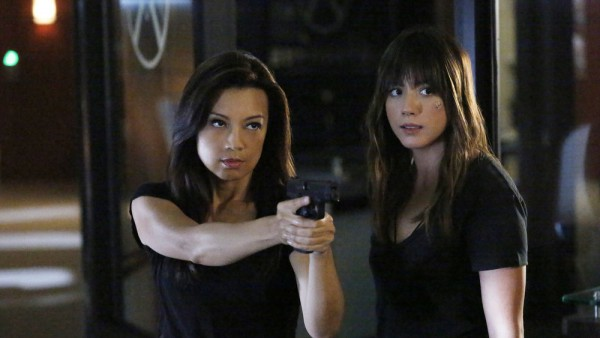 Agents of SHIELD - Ye Who Enter Here - Chloe Bennet and Ming-Na Wen