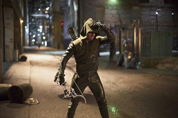 Flash-vs-Arrow-Oliver-Queen-as-the-Arrow-570x379
