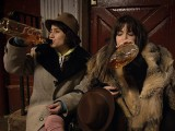 broad-city-pilot-drinking