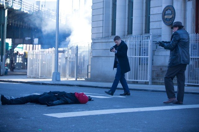 """GOTHAM:  Gordon (Ben McKenzie, C) and Bullock (Donal Logue, R) arrive on the scene of a bank robbery in the """"Red Hood"""" episode of GOTHAM airing Monday, Feb. 23 (8:00-9:00 PM ET/PT) on FOX.  ©2015 Fox Broadcasting Co.  Cr:  Jessica Miglio/FOX"""